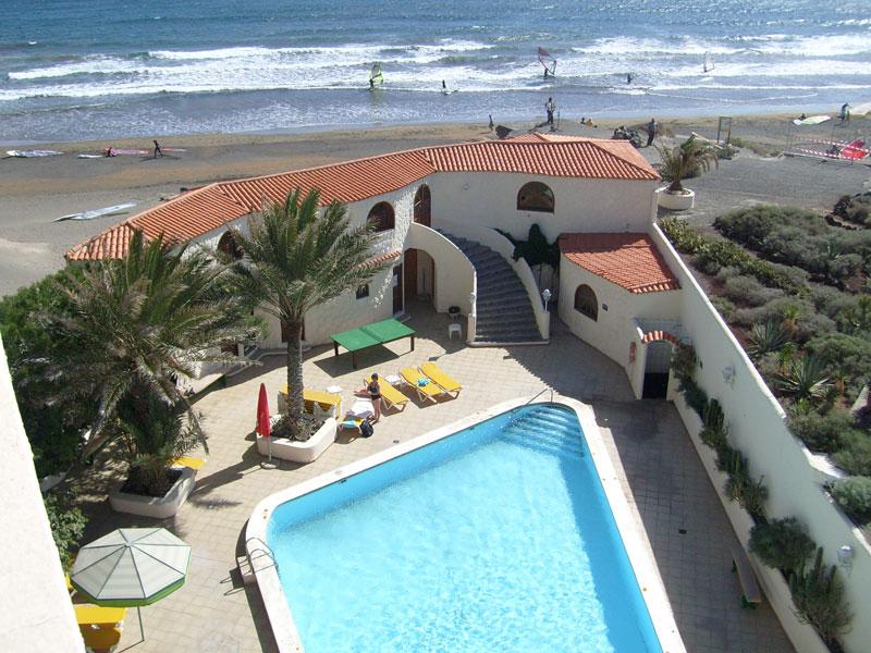 Der pool unserer hotelanlage auf teneriffa