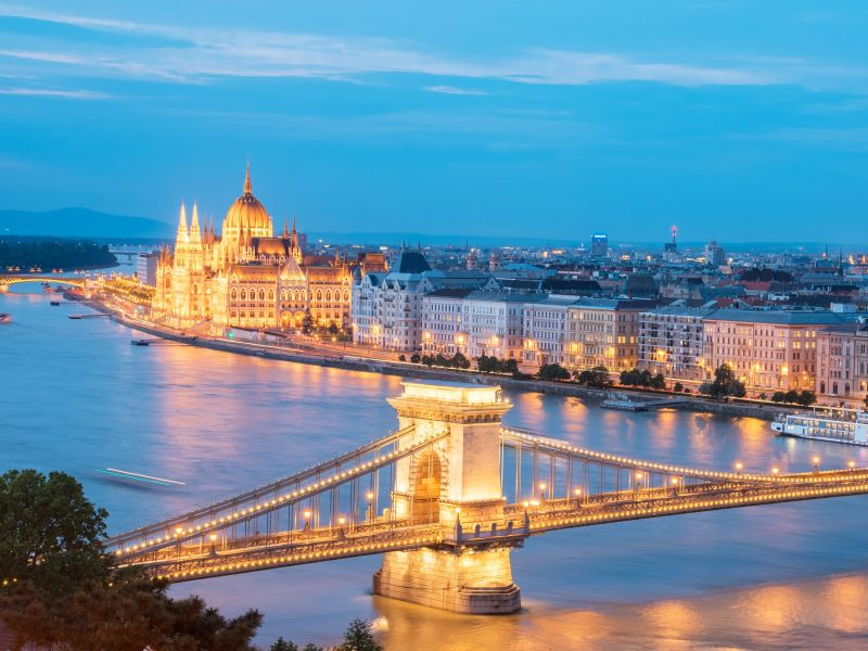 budapest singles Answer 1 of 5: hi, i decided to enter for the budapest marathon () and will be spending 3 nights (one night recovering) can anyone recommend some things to see and a good hotel near the city centre.